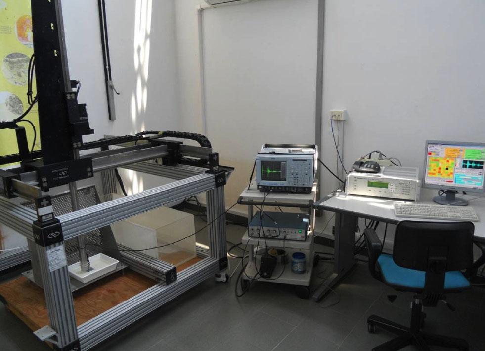 """Laboratorio """"Caratterizzazione Non Distruttiva - Microscopia acustica e monitoraggi ultrasonori"""