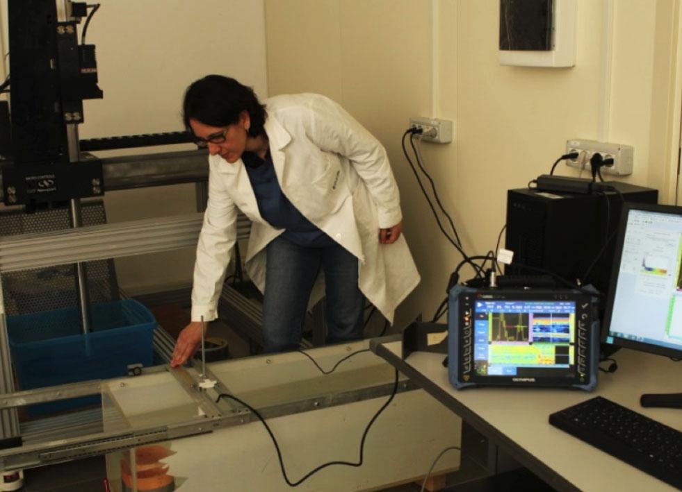 """Controlli ultrasonori nel laboratorio """"Caratterizzazione Non Distruttiva - Microscopia acustica e monitoraggi ultrasonori"""